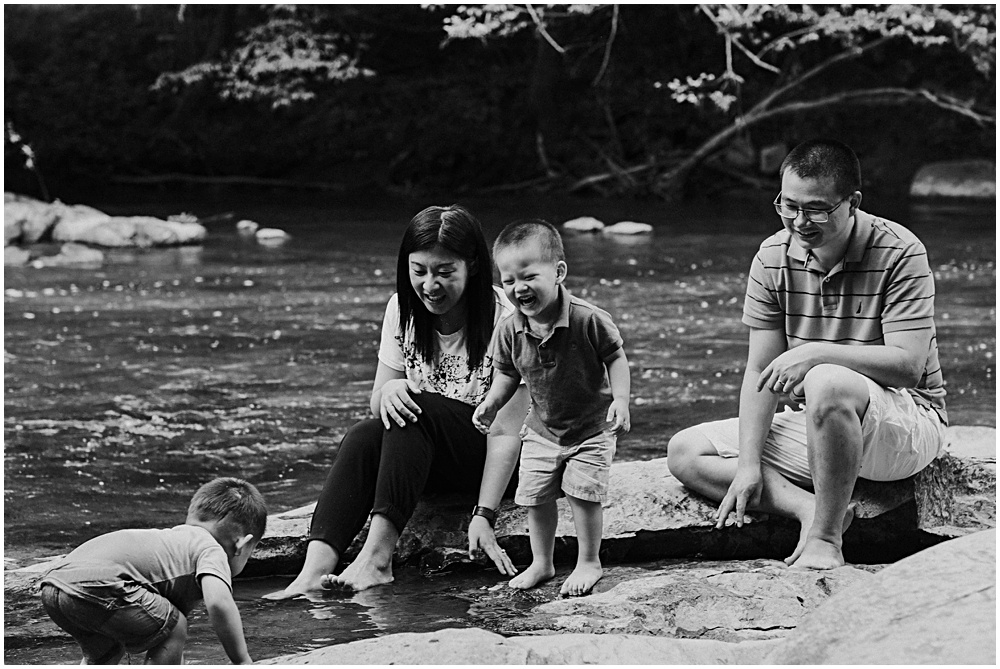 Giggling Family Photographer Candid